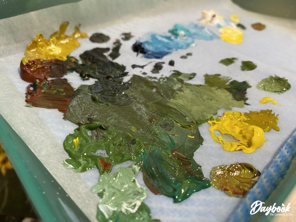 These Golden Acrylic Paints are vibrant and tempting on this palette.