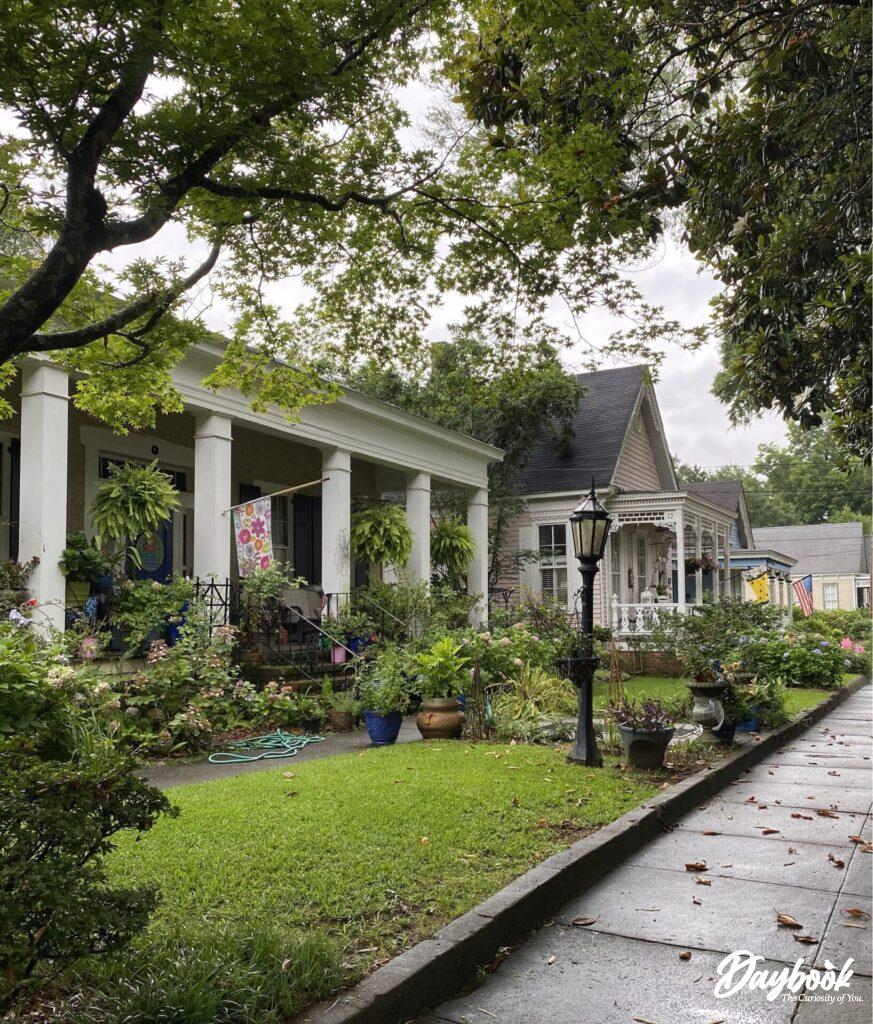 row of historic homes in Columbus, GA